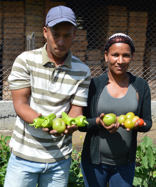 Local farmer & cook with locally grown produce on our Base Camp